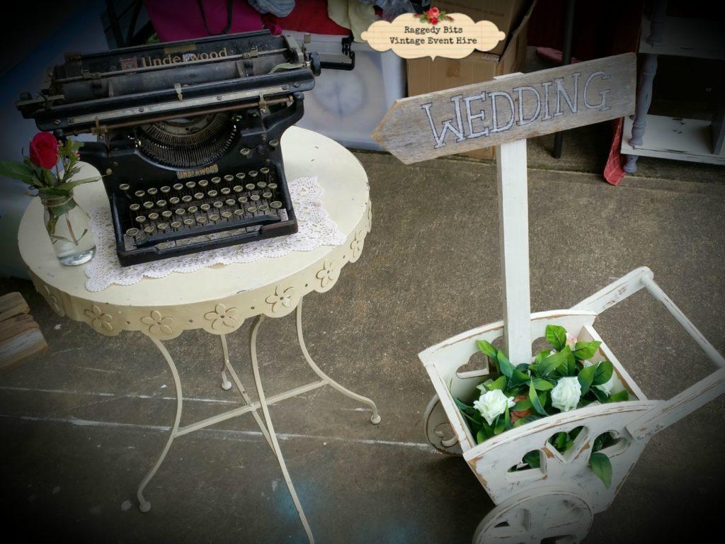 Vintage Hire Typewriter |www.raggedy-bits.com