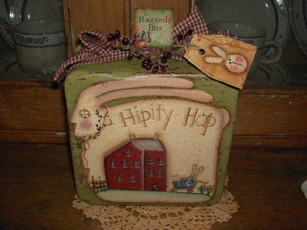 Prim Hippity Hop Bunny Tin |www.raggedy-bits.com